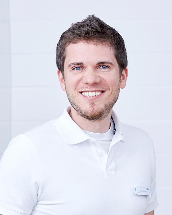 Dr. Niklas Sievers